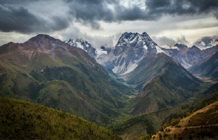 Baima-Tibetan-Village-Sichuan-003L-白马雪山